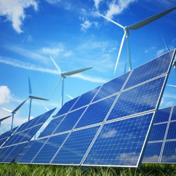 Elettricità sempre più verde. Rinnovabili vicine al sorpasso